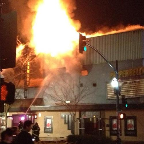 News: 5-alarm blaze destroys Pepperbelly's comedy club in Fairfield (Mercury News) [Photo via Zorba Hughes]