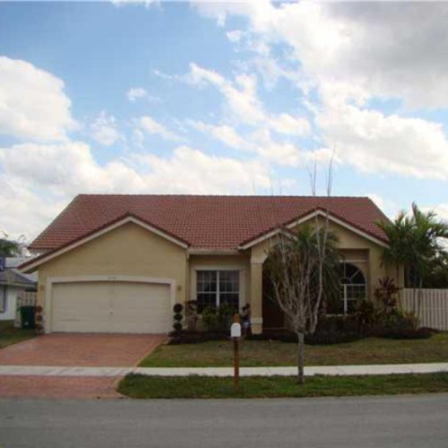 Looking for a Coldwell Banker Listing in Davie, Florida? #ColdwellBanker #RealEstate #Davie #SouthFlorida #Florida