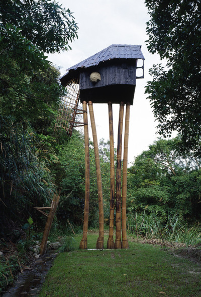 polerstuff:  (via 4 | Celebrating A Master Of Surreal Tree Houses And Architectural Magic | Co.Design: business innovation design)