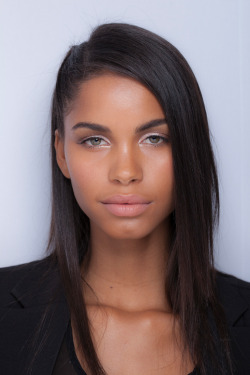what a fucking fox. MIXEDGIRLS4LYFE    Daiane Sodre'