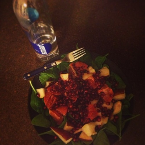 My fave…spinach, red pear, red grapefruit & pomegranate salad. Yum!