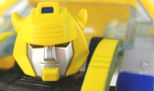 Transformers Classics Bumblebee  This is such a great figure, even more so because it's more-or-less the last Bumblebee-who-looks-like-Bumblebee that we're gotten.