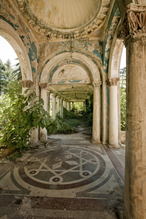 evocativesynthesis:  This is an abandoned railway station in Abkhazia, former Russian territory. It stays untouched since the collapse of USSR – the railway connection of Abkhazia and Russia stopped and railway station left out of demand so nature could take over the left-overs of Soviet architecture. (via English Russia)