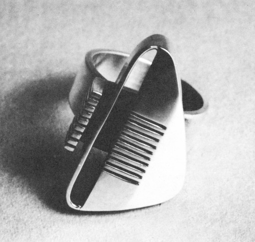Sterling silver ring by Margaret De Patta. From Design Quarterly 33, 1955. Year that ring was made is not mentioned. Vintage Scans