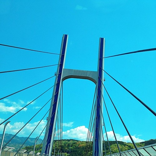 ψ(`∇´)ψ #blue #sky #cloud #mountain #green #highway #bridge #japan