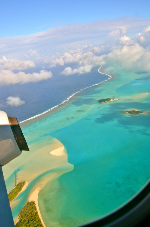 fuckyeahairplaness:  Cook Islands - flying over Aitutaki Lagoon (by flickfischer)