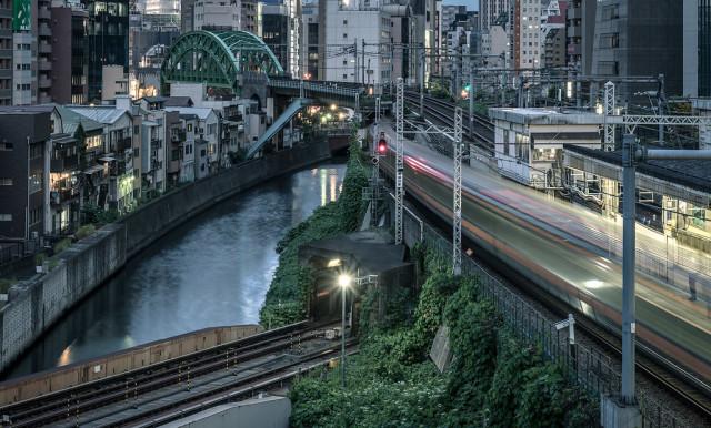 Chiyoda, Tokyo. June 2021. 12424(via 2021-09 - Sandman-KK) #urban photography#night#cityscape#light trails#tokyo#japan#2021#original photographers #artists on tumblr #kkworks