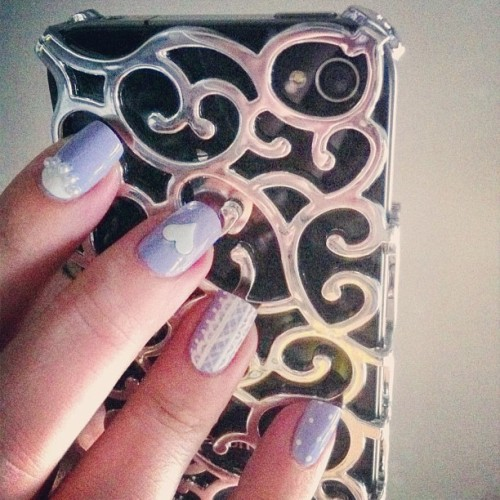 Head over heels in love with this @bornprettystore iPhone cover! Also a peak at the nail art I just posted up on my blog, make sure to check it out 💜