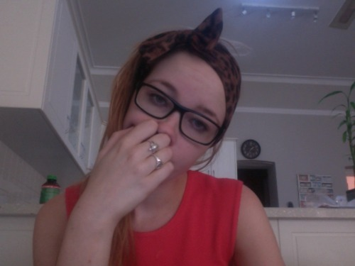 so sleppy, but doing tafe work anywayyy so proud