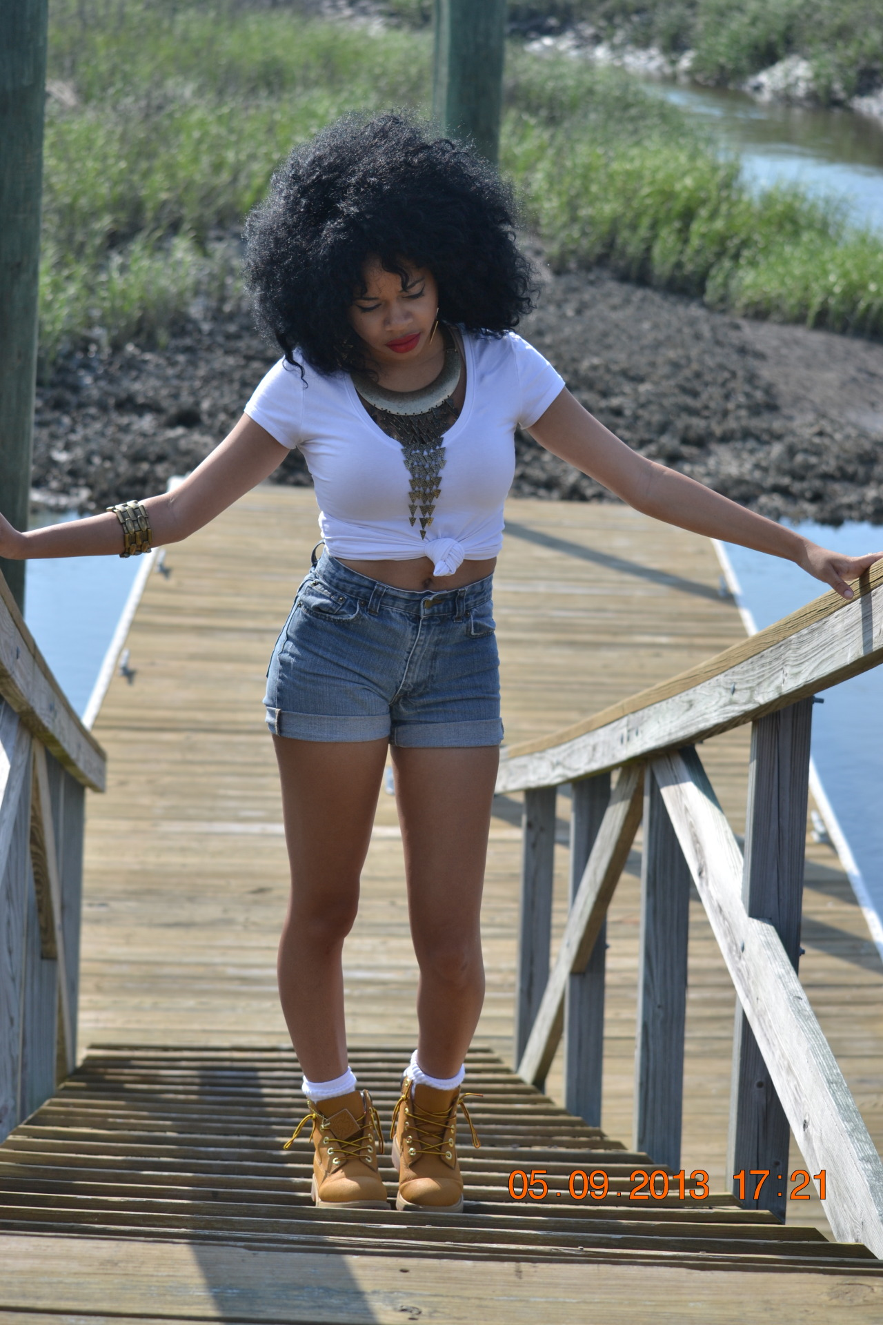 blackfashion:  Leona, 20, South Carolina tropicbombshell.tumblr.com IG: @tropicxstasy Photographed by: Melicent Lucas