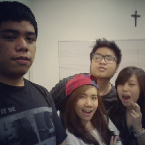 #THROWBACK The swag pipss :) haha! @pattymccaye @johnnytearjerky @jirehsingson (at De La Salle - College of Saint Benilde)