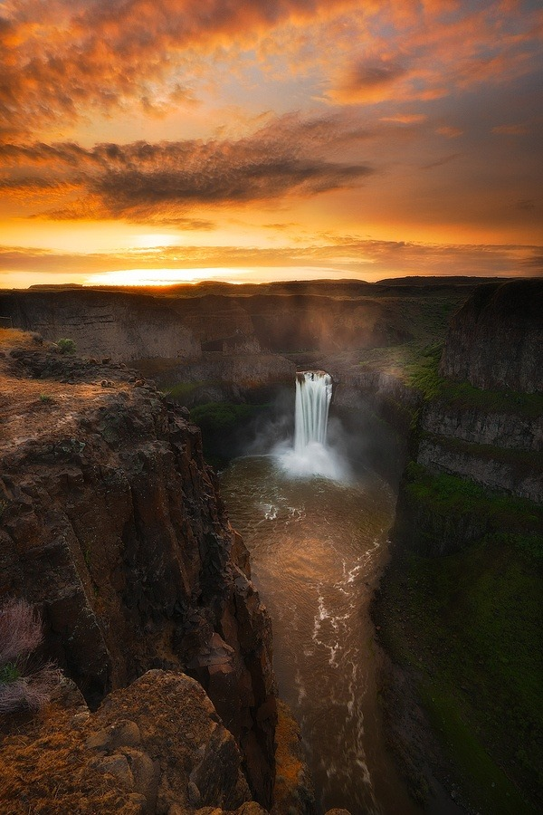 unwrittennature:   Palouse Falls  by Paul James on Fivehundredpx.