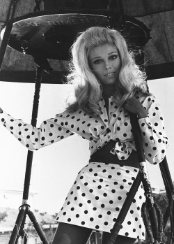 theswinginsixties:  Nancy Sinatra