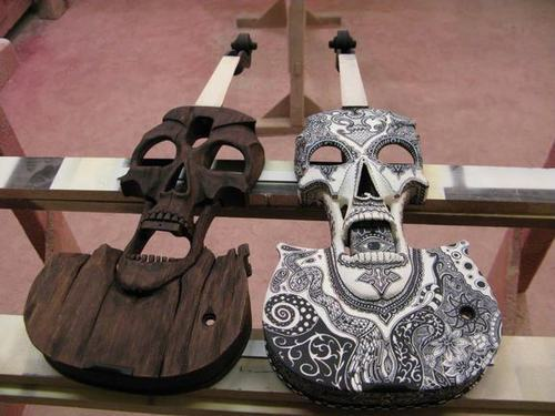 fuckedwithoutyou:  Violin maker Jeff Stratton's electric Skull violins are fierce and unique works of art. Hand carved from fine woods, each Skull violin is a unique piece of sculpture. As a violin player I'd love one ^^  He should make violas too.