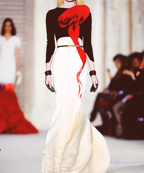 31/50 Favorite Designs of Stephane Rolland