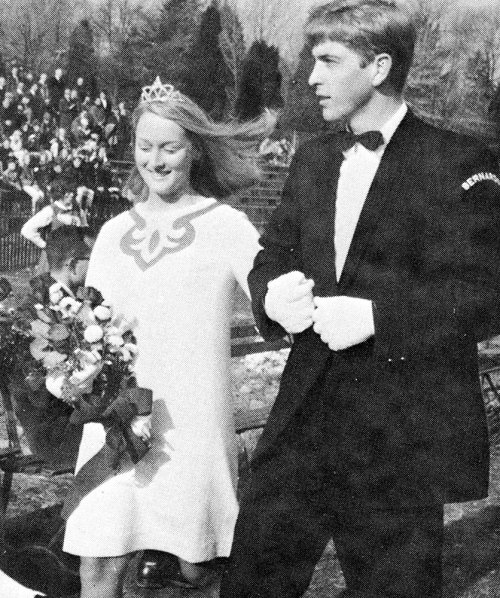 clutterness:  Meryl Streep at prom