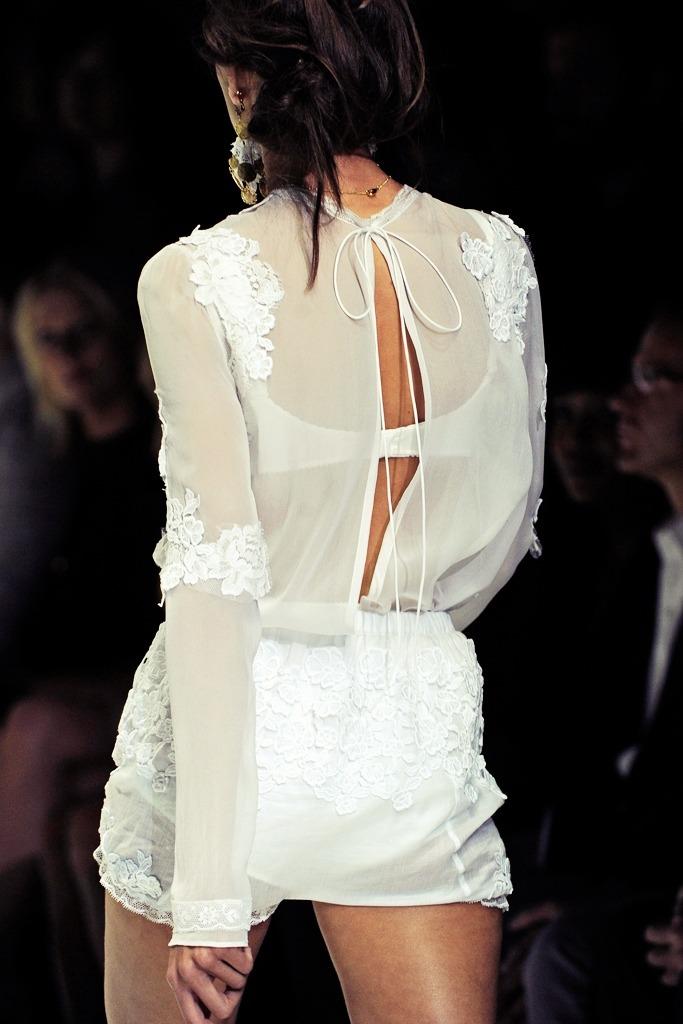Details Spring 2011 RTW Dolce & Gabbana