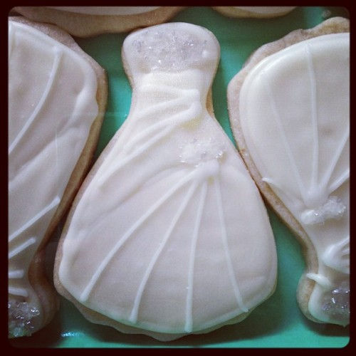 Wedding dresses! #sugarcookies #weddingcookies #fancyicing