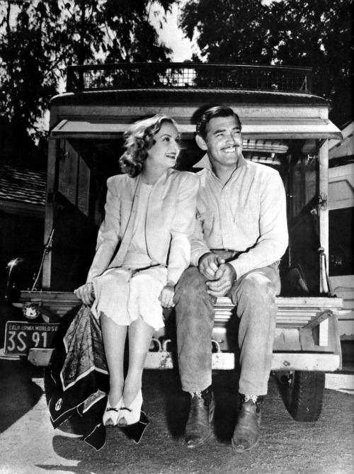 Carole Lombard and Clark Gable.