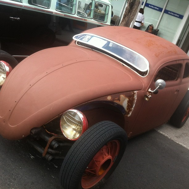 themongrelscc:  Chopped and Ratted out VW.. So sick..  #vw #ratrod #vdub #vintage #miami