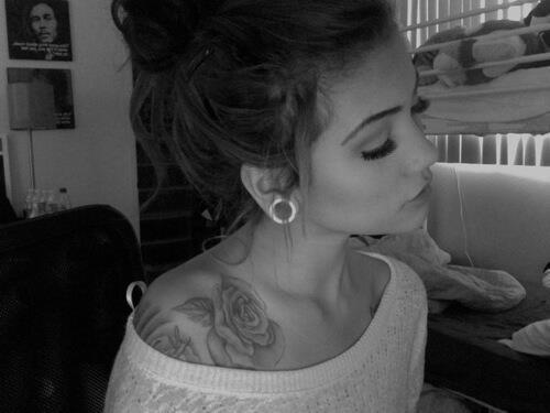 Black And White Roses Tattoos Tumblr Girl Rose Tattoo Tattoo Black