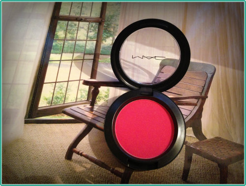 MAC Blush: Frankly Scarlet