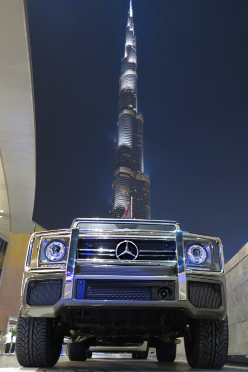 classyhustler:  this is dubai: Mercedes G class & large buildings