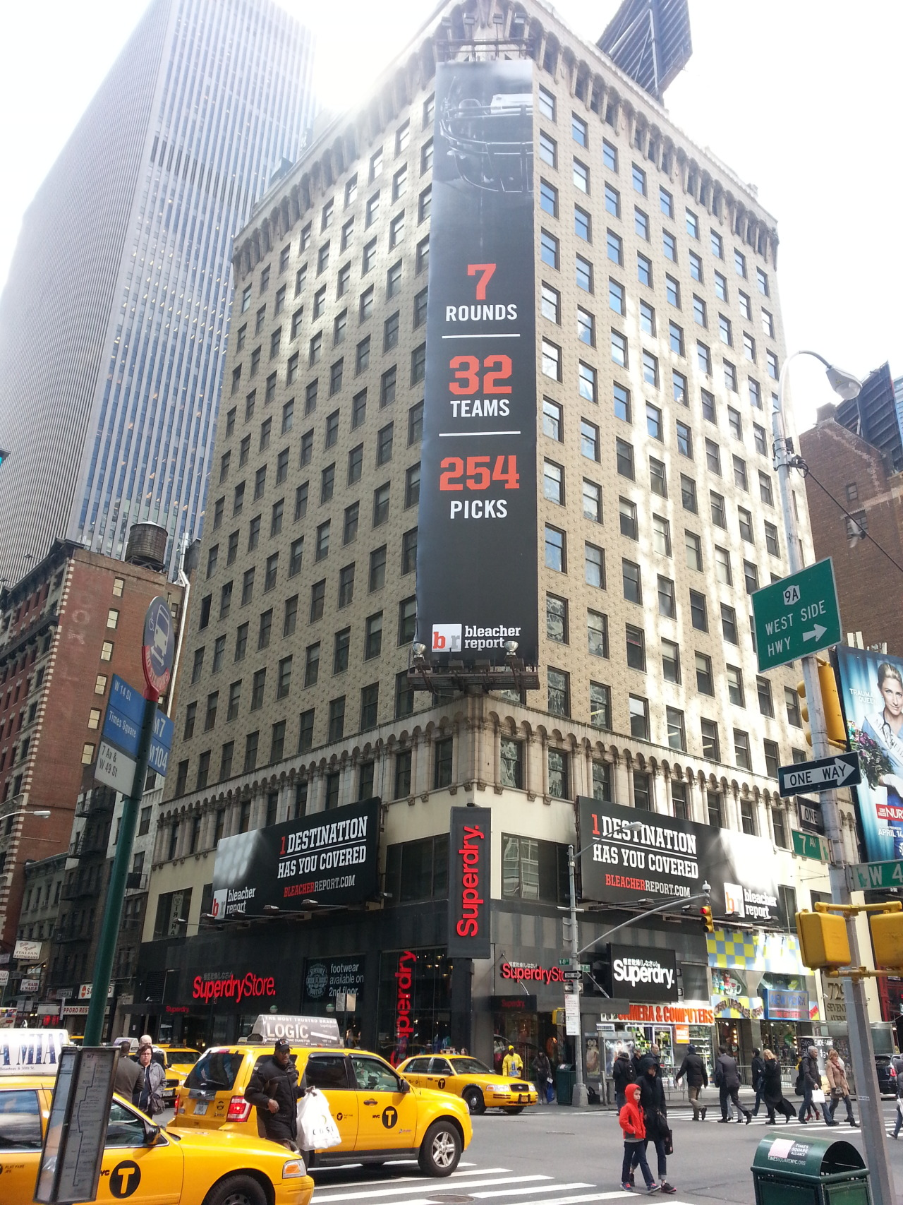 Bleacher Report used ADstruc to secure this huge 3-piece billboard promoting their coverage of this week's NFL Draft at Radio City Music Hall.