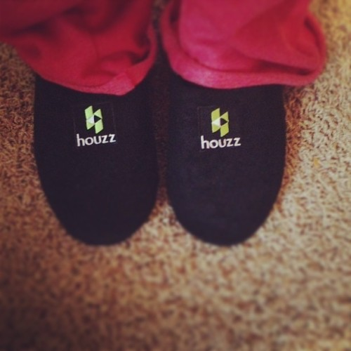 Haha Thanks @houzz for the #pro houzz #slippers. So comfy! #feet #houzz #interiordesign
