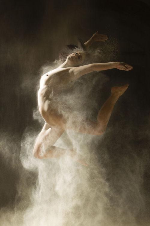 "artchoface:  elenoa:   Ludovic Florent's series ""Poussières d'étoiles"" (Stardust).  This is fucking gorgeous  whoaaaa D: so beautiful!"