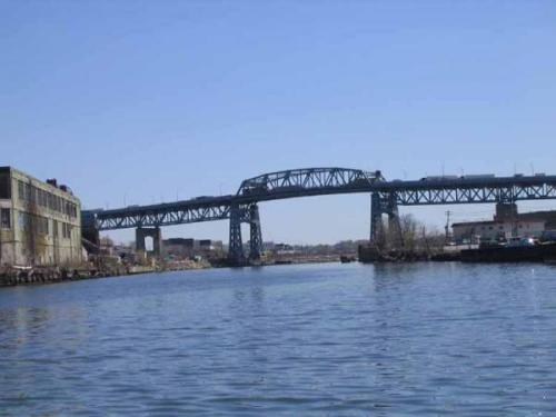 New York Bridge Renovation Could Unearth Native Artifacts Historians and archaeologists are predicting that Native American artifacts could be found along Newtown Creek during the renovation of the Kosciuszko Bridge that connects Queens and Brooklyn in New York City.