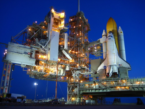 crookedindifference:  A Space Shuttle Before Dawn
