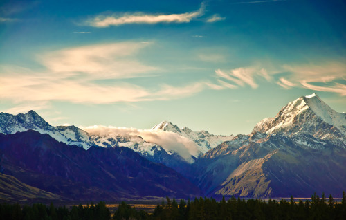 Mt. Cook in New Zealand takes our breath away. Enter our New Zealand trip giveaway and let it mesmerize you in person!
