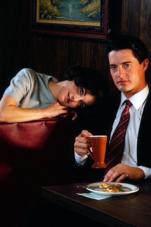 Sherilyn Fenn and Kyle MacLachlan, promotional photoshoot for 'Twin Peaks', 1990.