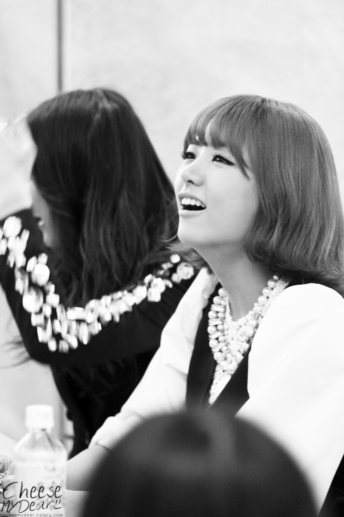 fy-eunb:  130414 Ladies' Code Fansign at Gimpo Airport Branch | © Cheese My Dear | do not edit/crop/remove watermark