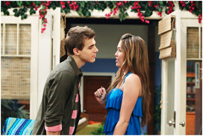 hersheykiss3s:  icy-brunette:  jake ryan aka leslie  i miss this show so much omg