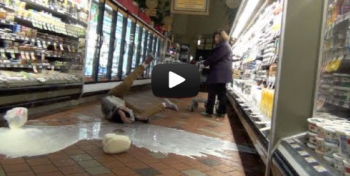 teendotcom:  Gallon Smashing = Dumbest. Internet. Prank. Ever.