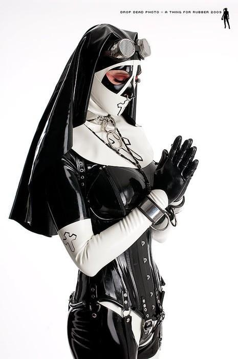 One of the #sexiest #latex nun outfits ever put together #hood #heavyrubber