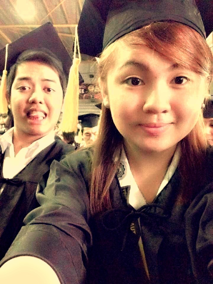 Oha oha! May bagong graduates bukas oh! Tomorrow's the big day! :D
