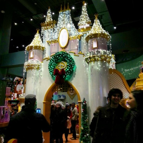 Girls, yo can fulfil your Disney Princess dream here. #disneystore #timessquarenyc #giwtravel #giwnyc #giwusa #nyc #newyork #castle #princess  (at Disney Store)