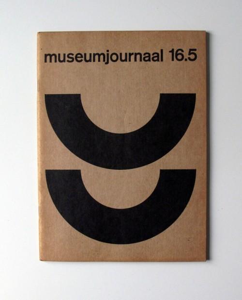 typography font vintage font