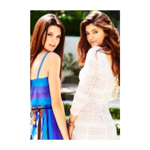 Promotional Photo of Kendall and Kylie for KUWTK S8! via Kardashianpedia
