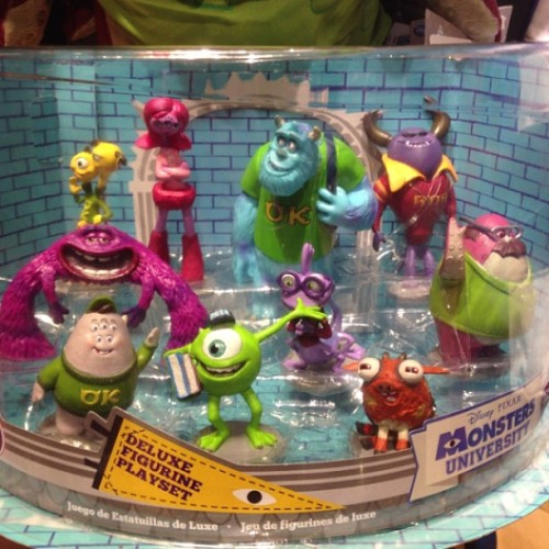 Deluxe Figurine Playset #MonstersUniversity