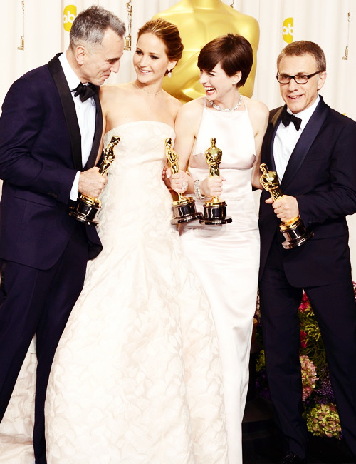 takealookatyourselfbitch:     Yesterday Oscar winners
