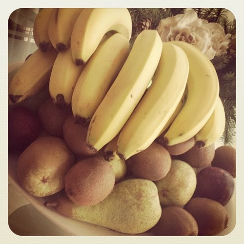 Okay, just happy now.. I love #fruit!! #banana #pears #kiwi
