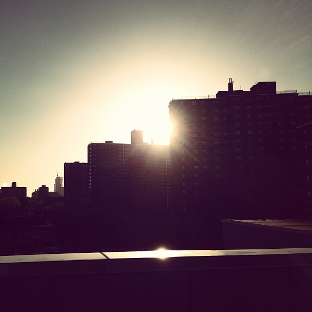 #brooklyn #silhouette #buildings #sunset #sun #rooftop  (at Franklin & Dekalb Ave)