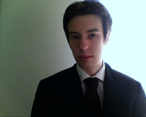 All dressed up to go to uni. I think I have the corporate stooge look down. I'm meant to be Ray Creen. But I'm sure you already picked that up because of our striking resemblance.