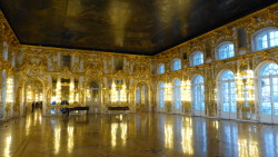 The Gold Room, Catherine's Summer Palace, Saint Petersburg. There was gold gilding everywhere on this holiday. so insane. for all the bad that comes with old world aristocracy it lead to so many beautiful buildings. and even crazier to think a lot of these places were destroyed in the war so in modern times theyve been restored. makes me go… australia you suck. but we're babies. have to remember we're just a new little island of convicts. (and nomadic peoples who didnt want to build crazy palaces)