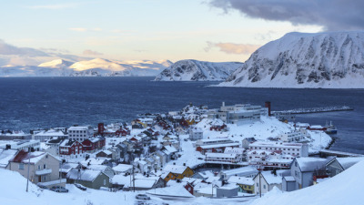 #honningsvag, #norway, #norwegen, #europe, #village, #buildings, #houses, #architecture, #photography, #snow, #winter, #wonderland, #travelling, #traveling, #travel, #tourism