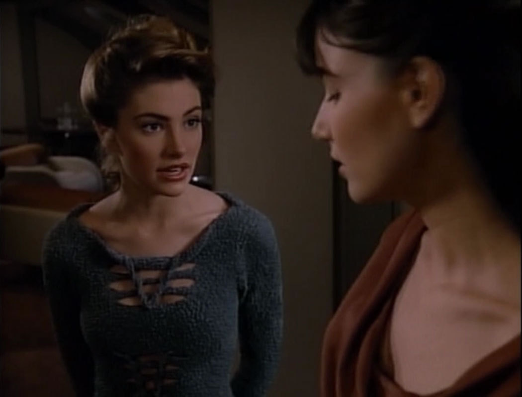 Mädchen Amick knitwear bodysuit looks, Star Trek TNG season 2